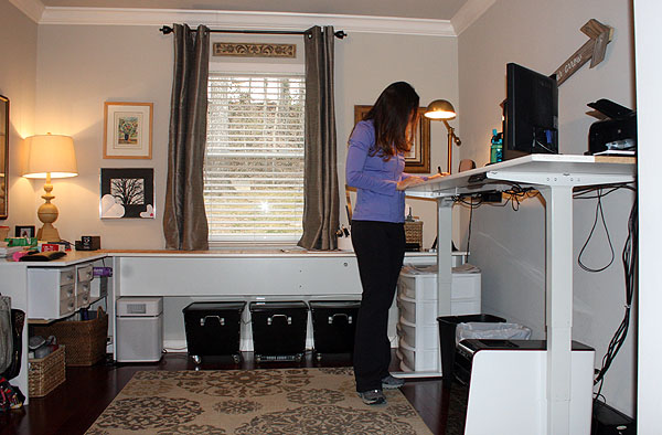 Uplift 900 Adjustable Desk - Standing Position