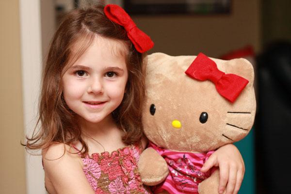 Hello Kitty Felt Hair Bow Tutorial